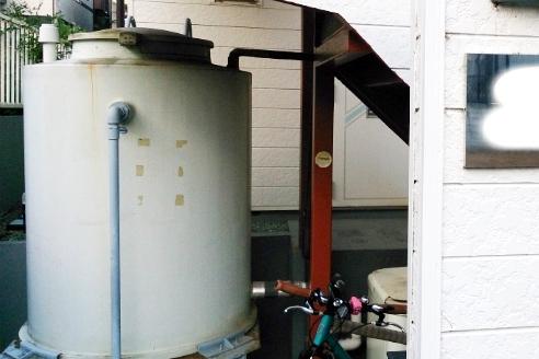 中古一棟アパートの貯水槽